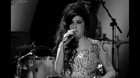Amy Winehouse - Tears Dry On Their Own ( Live at Jools