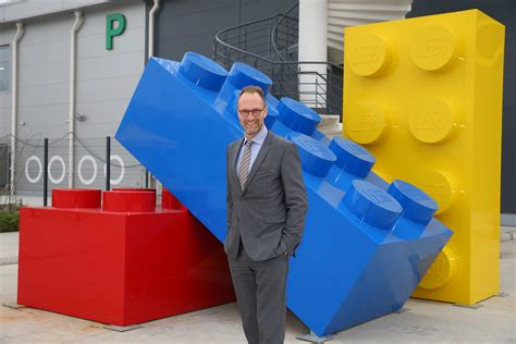 Lego's new crisis: Plans to cut 8% of its jobs and focus