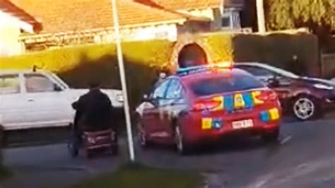 Legend old man leads police on mobility scooter low speed