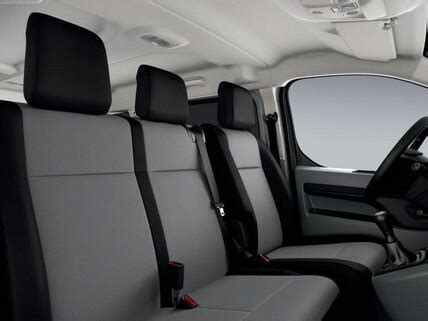 Peugeot Expert Combi | Try the 8 seater vehicle by Peugeot