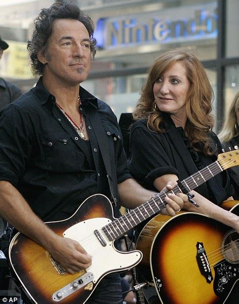 Bruce Springsteen 'lusted after housewife as she trained