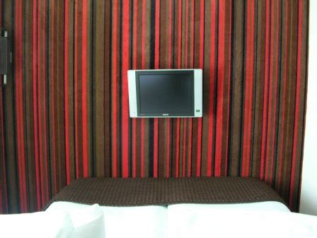 My Square Foot – An Examination of Hotel Room Size