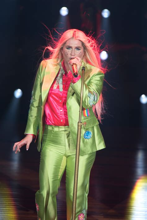 Kesha Brings the House Down at Powerful Hometown Show
